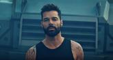 Ricky Martin: Découvrez sa nouvelle chanson « Tiburones »