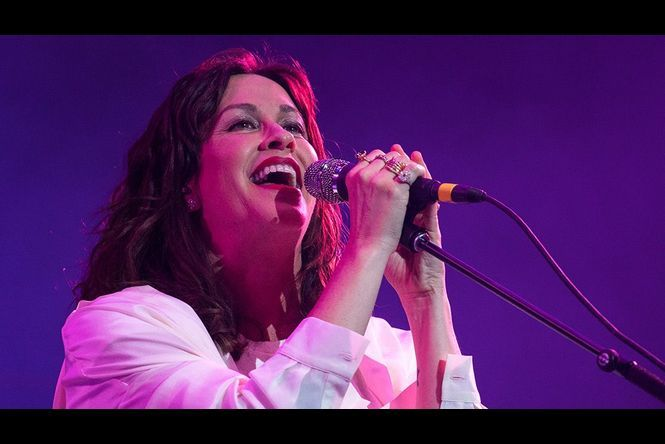 Alanis Morissette sort une nouvelle chanson et annonce une tournée pour 2020